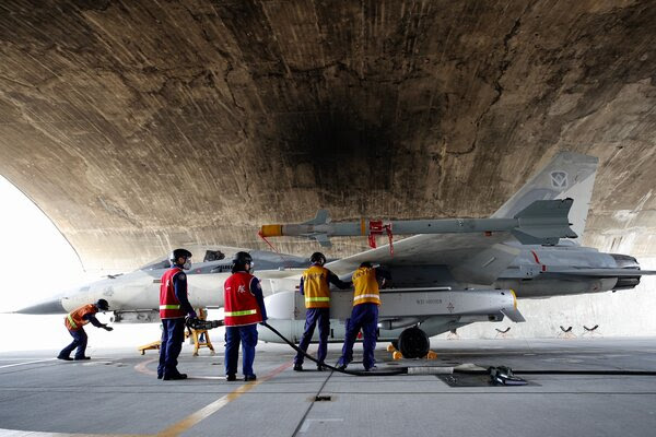 China tests Taiwanese airspace