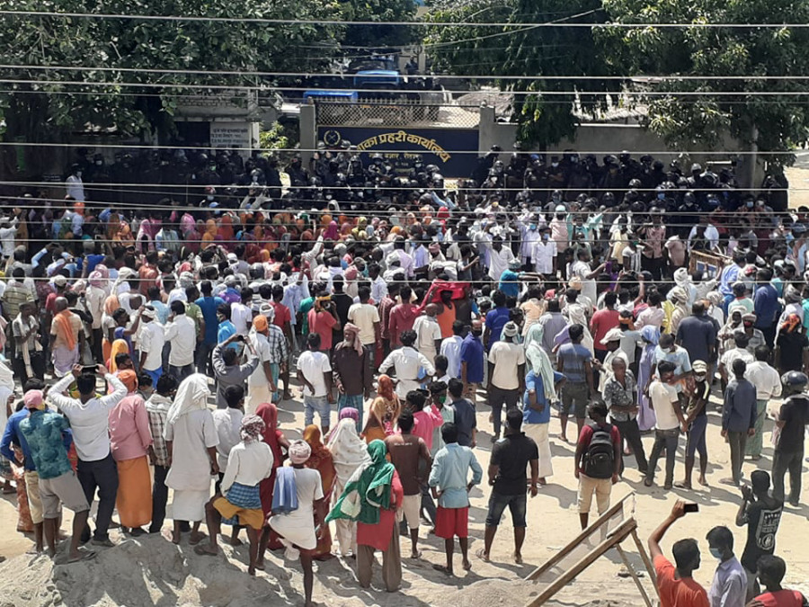 Locals in Rautahat protest teh death of youth arrested on murder charge